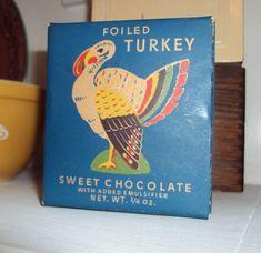 A blog about a vintage-loving collector. I visit estate sales, thrift shops, yard sales and flea markets looking for my favorite vintage finds.