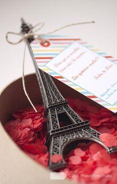 #regalo personalizado #torre eiffel #custom gift #eiffel tower @Project Party Studio
