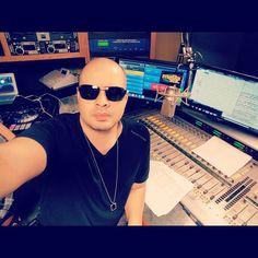 #tunein @mega979nyc we about to go Live comment bellow for shout-outs.  Let's go #nyc by djkazzanova