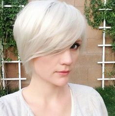 30 Short Hairstyles for Winter: Long Pixie Cut