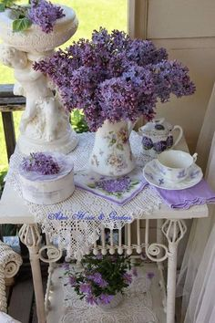 French Cottage - Type 2-1 - love the freshness of the lilacs and the tea set