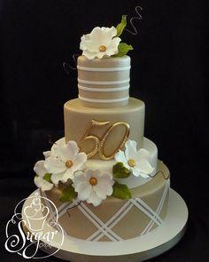 50th anniversary cake | Bolo para bodas de ouro                                                                                                                                                                                 Más