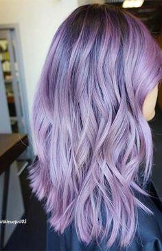 Lila Balayage Haarfarbe