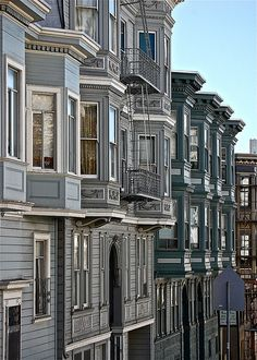 Stepping Down the Hill.a series of apartment buildings stepping down a hilly street in San Francisco.photo by Ed Brodzinsky San Francisco California, San Francisco Bay, California Dreamin', Northern California, Victorian Buildings, Victorian Homes, Monuments, Second Empire, Architecture