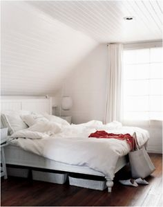 White bedroom. Dreamy.