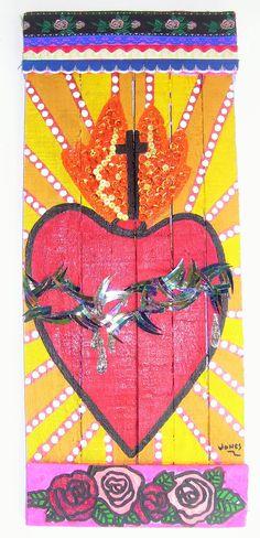 """""""Sagrado Corazón de Jesús"""" acrílico sobre maderas recicladas con detalles de lentejuelas y puntillas de colores."""