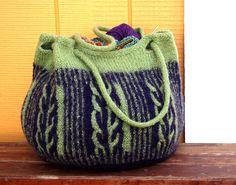 Ravelry: Intwined Bag pattern by Meghan Jones