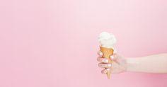 Věříme v rozmazlené zákazníky, kteří nechtějí kompromisy. Věříme v dokonalou zmrzlinu, prvorepublikové recepty, ale i kreativní přístup. Věříme v kvalitní a voňavé plody. Věříme ve zmrzlinu, která je čerstvá a bez chemie. Ve zmrzlinu, která pokaždé chutná jinak, podle právě použitých surovin a nálad