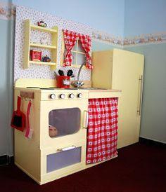 IKEA Hackers: Vintage style play kitchen fridge from ikea bench