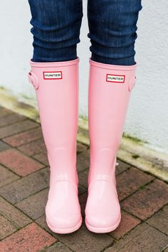 girls The Cutest Rain Boots to Wear this Spring Pink Hunter Rain Boots, Cute Rain Boots, Hunter Boots Outfit, Wellies Rain Boots, Cute Shoes, Rubber Rain Boots, Cowgirl Boots, Western Boots, Riding Boots