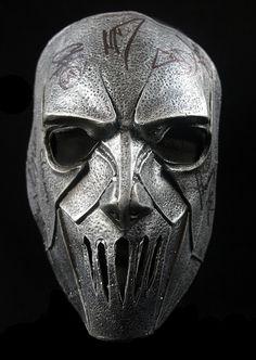 mask   ... Band Signed Mick Thomson Mask — Black Diamond Music Memorabilia