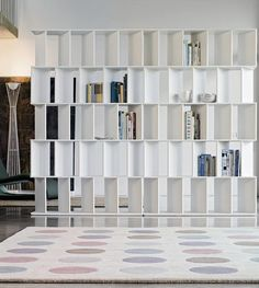 Open and shut case. Open bookcase FUN by @Bonaldo | #design Gino Carollo #books