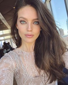 Perfect Valentine's Day makeup today on set by the master Emily Didonato Hair Colors For Blue Eyes, Dark Hair Blue Eyes, Pretty Blue Eyes, Gorgeous Eyes, Beautiful Women, Emily Didonato, Day Makeup, Brunette Hair, Brunette Blue Eyes