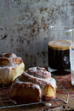 You all know I'm an equal opportunity baker. This past weekend we gave the new Cinnabon Bakery-Style Cinnamon Rolls from Pillsbury a try. Holy amazing, now you can have that heavenly smell *at home*! Head over to check 'em out. #PillsburyAtHome