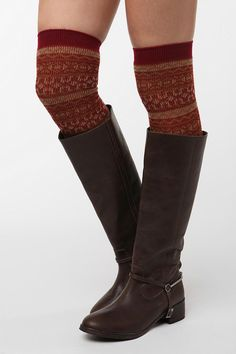 I need to get a pair of riding boots. so cute.