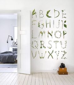 ☆ #abécédaire pour une #chambre d'enfant ☆ ABC For The ☆Spelling Bee ☆Wall ☆Mural (available from Rebel Walls)