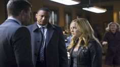 Arrow Season 2 Episode 18 : DeathStroke. Storyline : Sara and Roy become prisoners at the Slade and the only one who is able to save them is Oliver Queen.