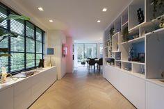 Interior villa Wassenaar The Netherlands. Design by Studio Des Bouvrie #moniquedesbouvrie #design #interior