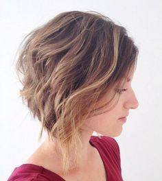 Gorgeous curly bob hairstyles for this season. Curly bob hairstyles for short hair. Top curly bob hairstyles for women. Cute Bob Haircuts, Inverted Bob Hairstyles, Bob Haircuts For Women, Hairstyles Haircuts, Wavy Inverted Bob, Choppy Haircuts, Latest Haircuts, Medium Haircuts, Black Hairstyles