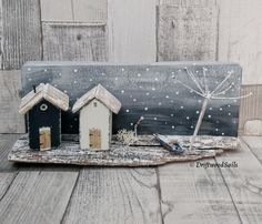 Crafts To Make, Home Crafts, Fun Crafts, Driftwood Projects, Driftwood Art, Rustic Crafts, Wooden Crafts, Small Wooden House, Wooden Christmas Decorations