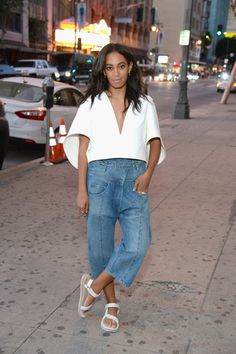 Solange just wished to dance. Solange and I've been working together for ten decades. I never fail to tell her randomly, Solange, I really like your mind. White Shirt Outfits, Denim Outfit, Mom Outfits, Casual Outfits, Estilo Fashion, Fashion Moda, Look Fashion, Fashion Outfits, Fashion Sets