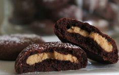 Kakaové sušenky s arašidovym krémem...Vynikající, jednoduché a dlouho vydrží. Kakaové sušenky a uvnitř arašídová vrstva.