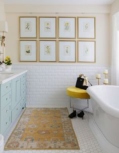 Complex creams like Benjamin Moore Indian White are a whole shade lighter, but still warm enough to relate to the undertone. The sweet spot. Yellow Bathroom Decor, Yellow Bathrooms, Gold Bathroom, Small Bathroom, Master Bathroom, Design Bathroom, Bathroom Ideas, Mirror Bathroom, Bathroom Makeovers