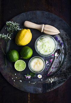 Det är så skönt och avkopplande att stoppa fötterna i varmt fotbad och ha ett litet fot-spa hemma! Se recept på fotbad, fotskrubb och fotinpackning nedan ♥ Fotbad - Lavendel &...