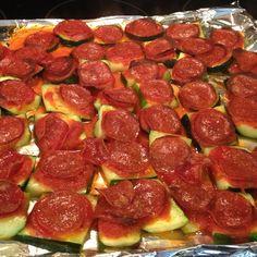 Zucchini-Pizza-Häppchen
