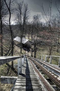 abandoned amusement park | http://carsandsuchcollections.blogspot.com