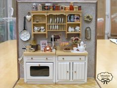 nicely done 1:12 scale dollhouse kitchen display