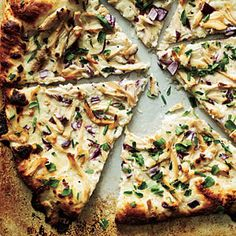 Cooking Light Chicken and Herb White Pizza French Onion Soup. AGA Starter Recipes - Cooking Starters With An AGA Range Cooker, Oven or Stove. White Pizza Recipes, Healthy Pizza Recipes, Cooking Recipes, Homade Pizza Recipes, Healthy Eats, Cooking Tips, Salad Recipes, Healthy Snacks, Quiche