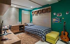 Neste projeto do arquiteto Luiz Maganhoto e do designer Daniel Casagrande, do escritório Maganhoto e Casagrande Arquitetura, o verde foi a cor que deu graça ao quarto. O tom usado é o