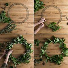 #DIY: Corona de Navidad Reciclada. #CoronaNavidad #Manualidades #ComoHacerUnaCoronaDeNavidad