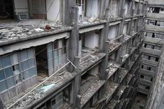 Abandoned Buildings, Abandoned Places, Hashima Island, Desert Places, Concrete Building, Coal Mining, Battleship, Urban Decay, Architecture