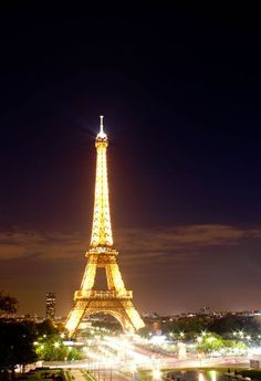 The Best Places to Visit in Europe: The Top 10 European Cities You Must See - The Eiffel Tower - a most beautiful sight! Hope to go to Paris one more time. Places Around The World, Oh The Places You'll Go, Travel Around The World, European Vacation, Vacation Spots, Beautiful Places To Visit, Cool Places To Visit, Best Places To Travel, Mykonos