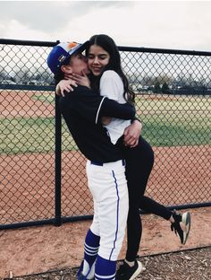 54 Sweet And Cute Teenager Couple Relationship Goals You Wanna Have – meetflyer…. 120 Cute And Goofy Relationship Goals For You And Your Soul Mate Pag Baseball Couples, Sports Couples, Baseball Girlfriend, Teen Couples, Baseball Boys, Boyfriend Girlfriend, Baseball Quotes, Baseball Pictures, Baseball Players