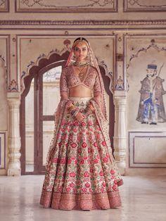 """Mumbai Stories"": Photographer Tarun Khiwal Perfectly Captures Traditional Indian Bridal Fashion With Modern Aesthetic Indian Bridal Outfits, Indian Bridal Fashion, Indian Bridal Wear, Bridal Dresses, Indian Lehenga, Sabyasachi Lehenga Bridal, Bollywood Saree, Bollywood Fashion, Saree Fashion"