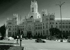 Madrid: Ayer y Hoy | FotografiÁrt - Después de unos meses recopilando fotos del antiguo Madrid, te presento esta pequeña muestra que compara el Madrid de hoy con el Madrid de ayer, algunas de las fotos tienen más de 160 años por lo que la calidad queda disculpada.Sigue leyendo en http://www.fotografiart.eu/1a-entrada/