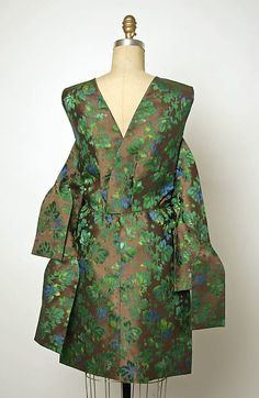 Cocktail Dress.  House of Balenciaga  (French, founded 1937).  Designer: Cristobal Balenciaga (Spanish, 1895–1972). Date: ca. 1963. Culture: French. Medium: silk.