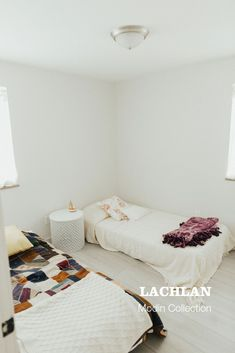 Simple spare room with antique quilts and Ikea stackable beds Best Interior Design Apps, Unique Flooring, Vinyl Plank Flooring, Luxury Vinyl Plank, Nordic Design, Spare Room, Home Remodeling, Home Goods, Toddler Bed