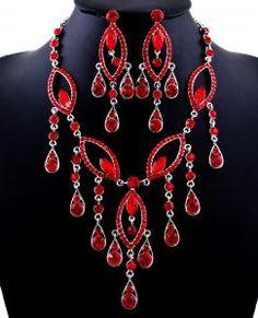 Smashing Necklace Set!!  http://www.rinhoo.com/pretty-and-coquettish-rhinestone-necklace-earring-set_23105.html#