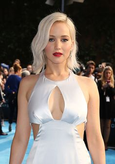 Jennifer Lawrence's Icy Blonde Waves