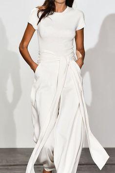 White on White.. #Runway #Minimalism #AllWhite #Trousers #Layering