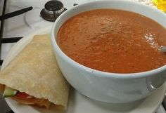 Slimming Lunch - Slimming World's EE SP Plan Day 5 … - If you have been on Slimming World for a while, no doubt you have heard all about tomato speed soup, the soup that resembles Heinz tomato soup and if you haven't been on Slimming World for lo… Slimming World Chilli, Slimming World Soup Recipes, Vegan Slimming World, Slimming World Dinners, Slimming Eats, Slimming World Soup Speed, Sp Days Slimming World, Slimming World Lunch Ideas, Speed Soup
