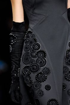 haute couture fashion – Gardening Tips Couture Embroidery, Embroidery Fashion, Beaded Embroidery, Hand Embroidery, Embroidery Designs, Couture Details, Fashion Details, Fashion Design, Couture Ideas