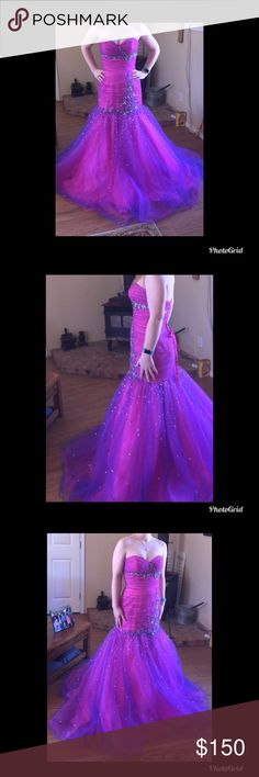 Mori Lee prom dress Size 4 pink/purple has corset back in perfect condition Mori Lee Dresses Prom