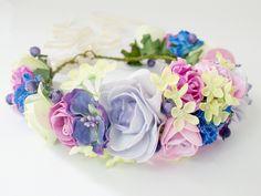 Diademe - Blumenkrone / Blumenkranz / Haarblüten/ Elfenkrone - ein Designerstück von LolaWhite bei DaWanda
