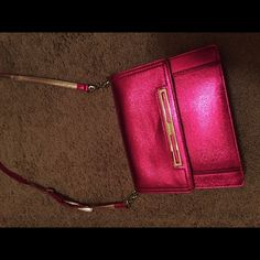 Nine West purse Metallic pink Nine West purse; new with tags Nine West Bags Shoulder Bags