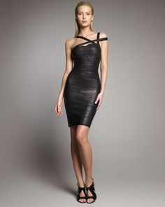 7dafc98336279 US $25.9 30% OFF|Sexy club dresses 2018 new arrival women bandage dress  black foil spaghetti strap backless short celebrity party mini HL3511-in  Dresses ...